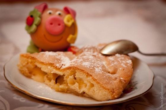 Сливочная шарлотка с яблоками рецепт
