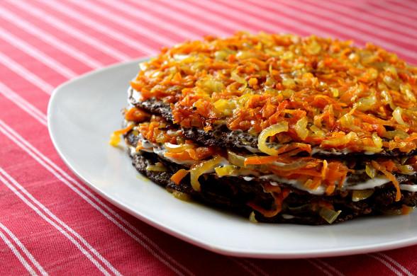 247 Рецепт Печінковий торт з морквою і цибулею
