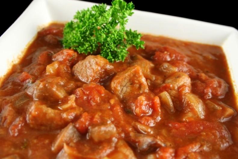 266 Рецепт Гуляш з яловичини