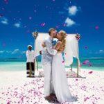 1474 Как организовать шикарную свадьбу на острове?