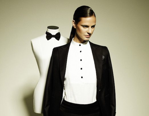 Как носить девушке галстук или бабочку?