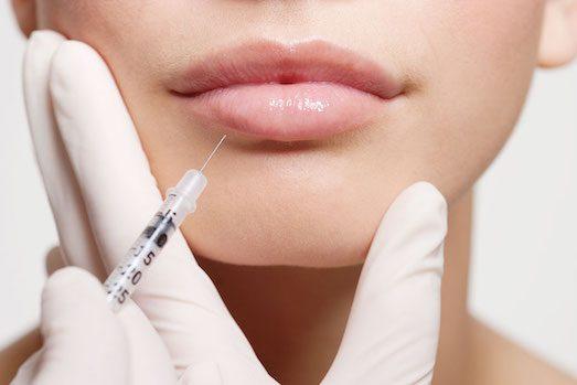 Причини появи сильного набряку губ