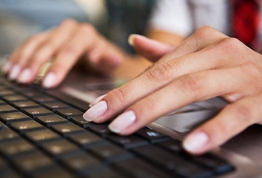Яким має бути манікюр для офісу і роботи?