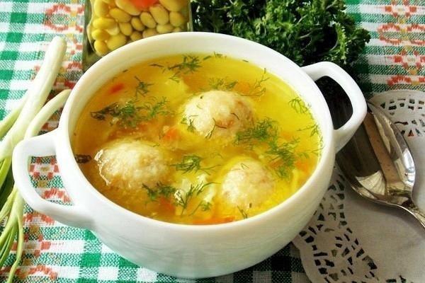 2775 Курячий суп з рисово-сирними галушками