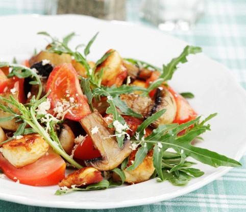 2919 Рецепт Курячий салат з печерицями та помідорами