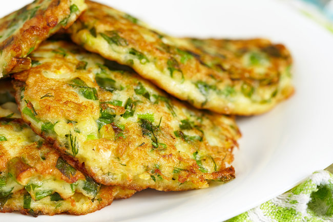 Рецепт Оладки з зеленню до сніданку