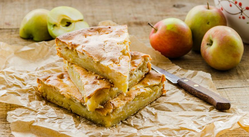 Рецепт Простий пиріг з яблуками і джемом