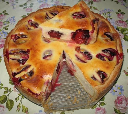 3158 Рецепт Пиріг зі сливами і яблуками
