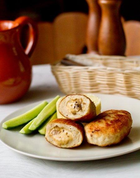 3406 Рецепт Курячі котлети з грибами і сиром