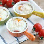 3410 Рецепт Запечене яйце з помідором і ковбасою