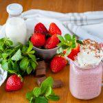 3464 Рецепт Йогурт полунично-шоколадний