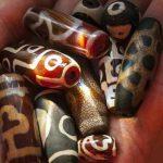 4561 Бусины дзи значение описание и их, тибетский камень
