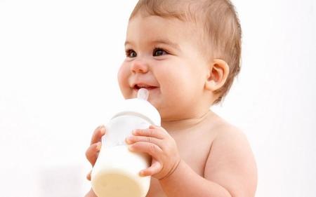 5406 Когда ребенку можно давать коровье молоко?