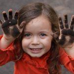 5837 Моллюски на лице у ребенка